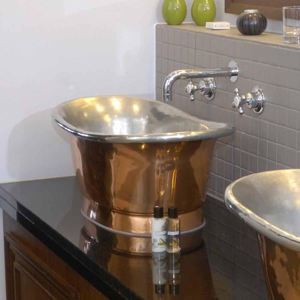 Aufsatzwaschbecken aus kupfer und eisen wei cala for Viadurini bagno
