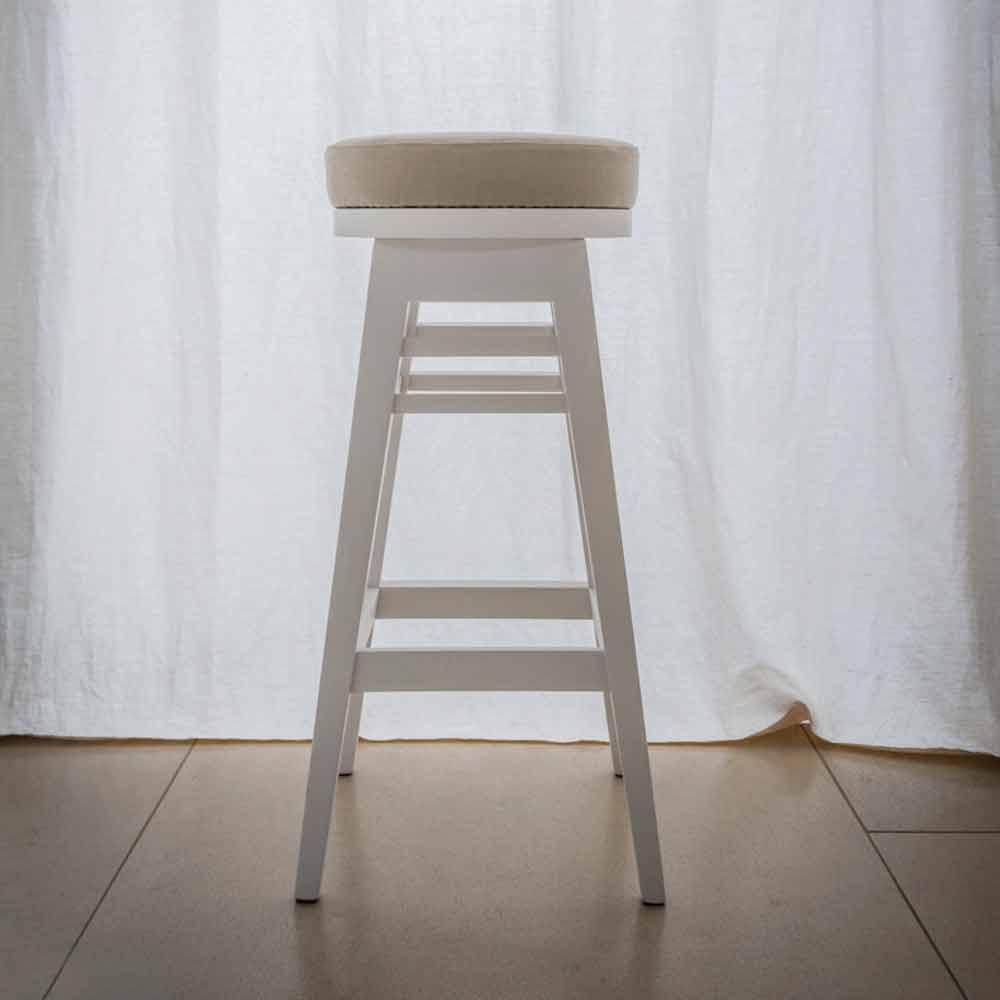 designhocker aus lackiertem buchenholz h 78 cm harvey. Black Bedroom Furniture Sets. Home Design Ideas