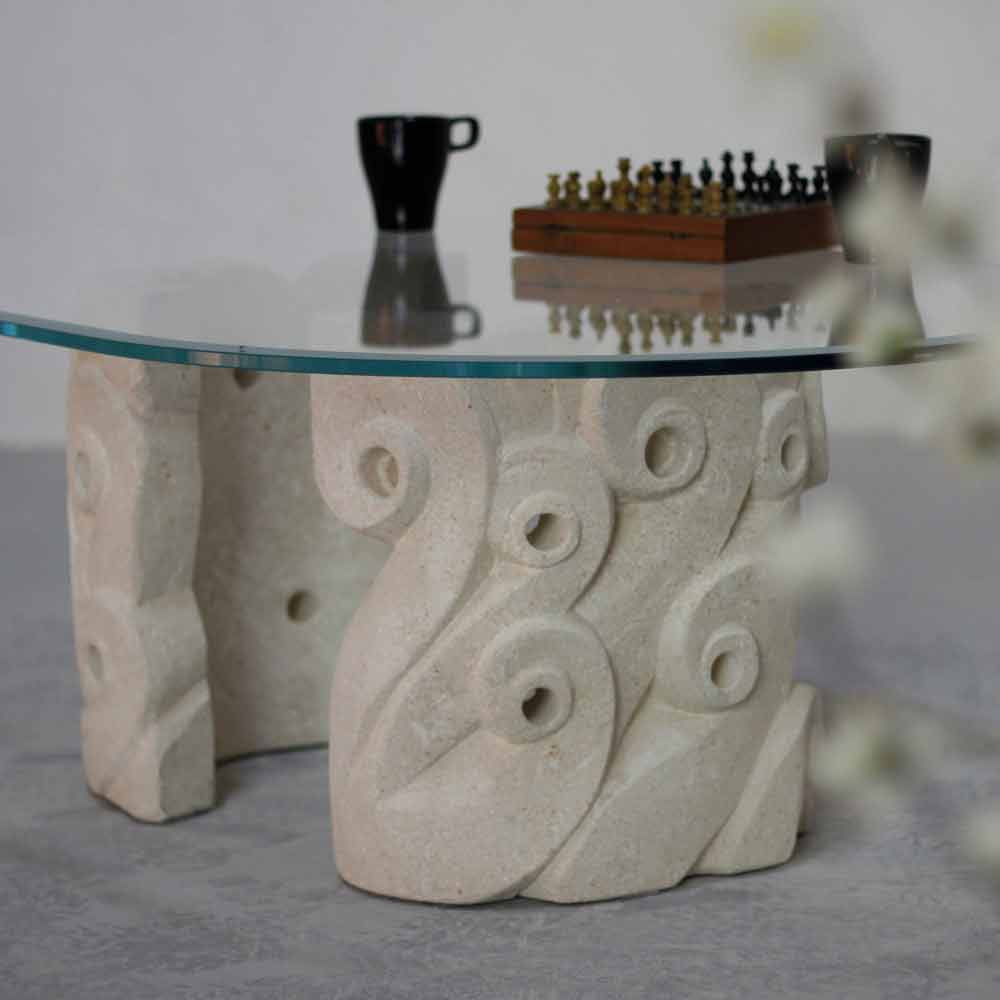 Couchtisch Oval Aus Stein Und Kristall In Modernem Design