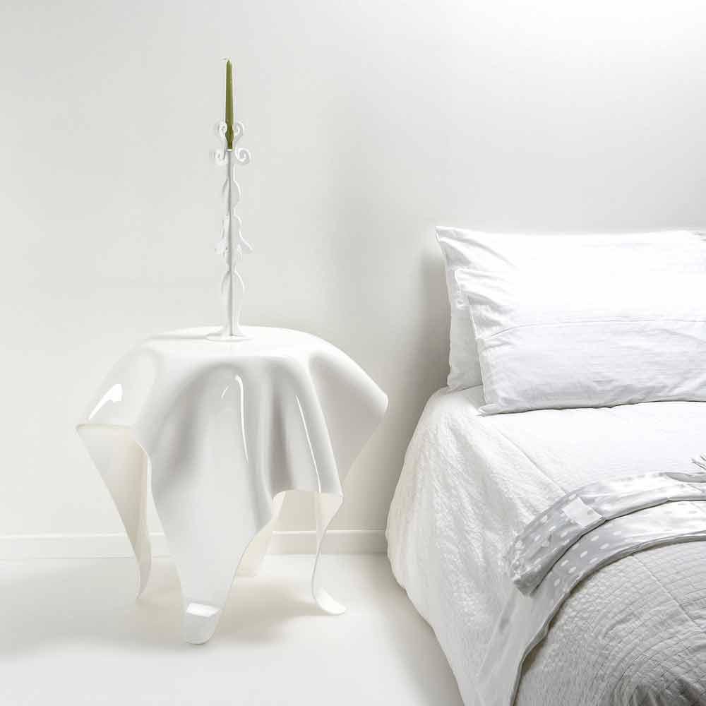 moderner beistelltisch aus wei em plexiglas otto made in. Black Bedroom Furniture Sets. Home Design Ideas