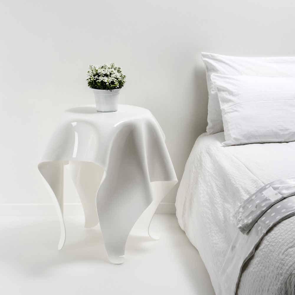 Moderner beistelltisch aus wei em plexiglas otto made in for Beistelltisch plexiglas