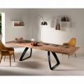 Ausziehbarer Tisch aus Furnierholz Eiche und Metall schwarz Travis
